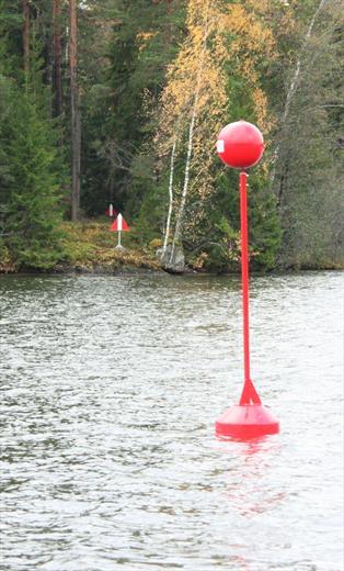 Установка водных граничных знаков
